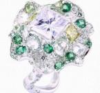 那英爱不释手的祖母绿戒指 尽显女王范儿